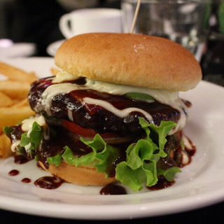 チーズバーガー(ガーデンレストラン オールデイ ダイニング (GARDEN RESUTAURANT ALL DAY DINING))