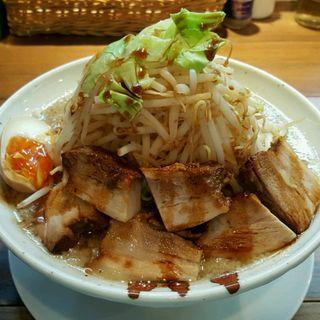 醤油+肉増し(ジロアンドマゼソバ トラ (JIRO&MAZESOBA TORA))