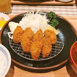 カキフライ定食(ビフカツ かつ満 ホワイティうめだ店)