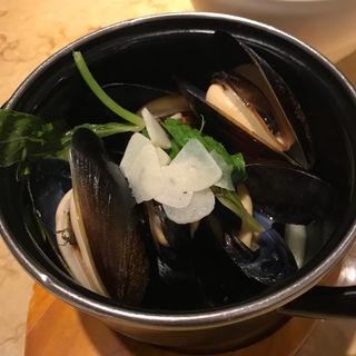 ムール貝の白ワイン蒸し (シングル)(ビアカフェ ブルッグスゾット 日本橋 (Brugse Zot))