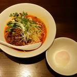 日式汁なし担々麺温玉入り(六坊担担面)