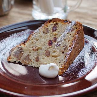 ピスタチオとクランベリー・チョコチップのバナナケーキ(パーランド (parland))