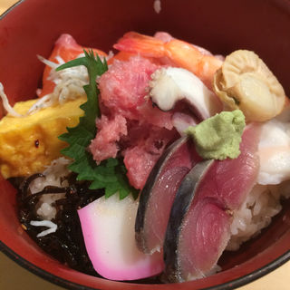 海鮮丼(すし処 よね山 (よねやま))