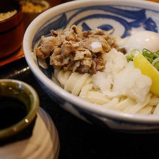肉玉ぶっかけうどん(四國うどん なんばウォーク西店 (四国 しこくうどん))