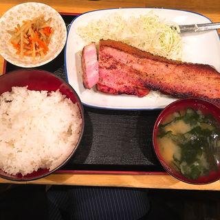 ベーコンステーキ(1枚)(酒処 つがる )