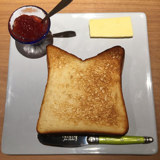 シンプルトースト(バターとジャムつき)(俺のBakery&Cafe 松屋銀座 裏)
