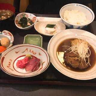 焼魚御膳ランチ(肉厚の金目鯛や脂がのった銀鮭鯖など日によって異なります)(三田 竹若 (みたたけわか))
