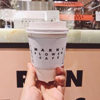 カプチーノ(マルニ フラワー カフェ (MARNI FLOWER CAFE))