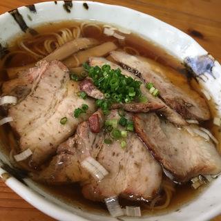 しなそば醤油いぶしチャーシュー入り(自家製麺・縁 (エン))