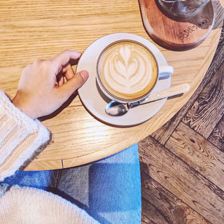 カフェラテ(オニジャス コーヒー ヴィレッジ (ONIJUS COFFEE VILLAGE))