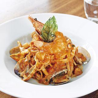 スパゲッティーニ ペスカトーレ 天使の海老と海の幸のトマトソース(フィオレンティーナ)