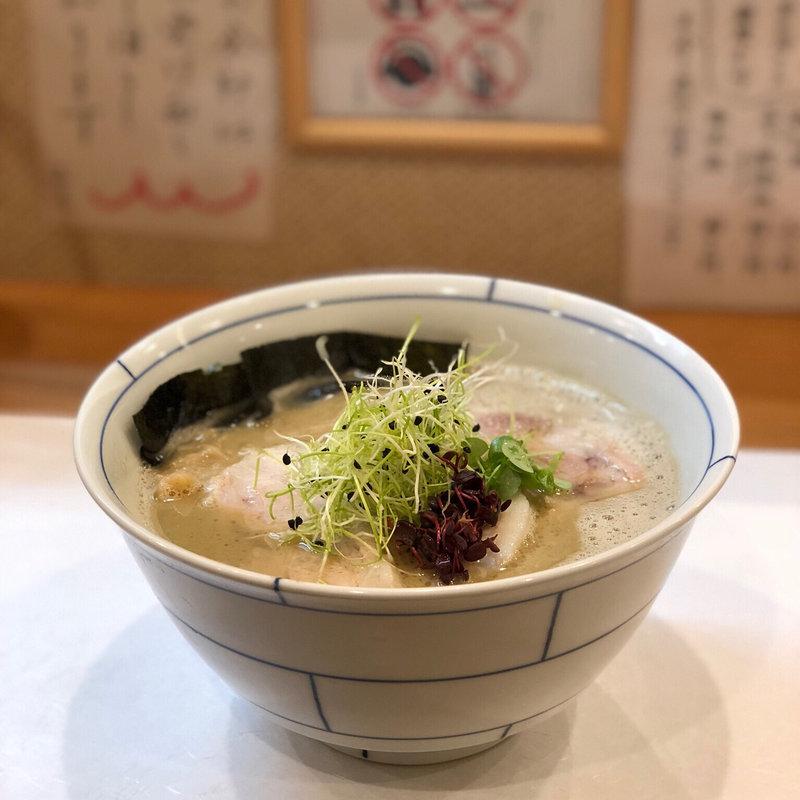 ラーメン激戦区、大阪・福島の個性派醤油ラーメンが厳選勢揃い!