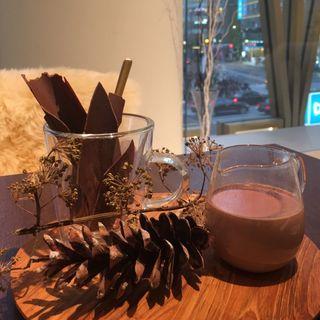 ホットチョコレート スイーツ(BALLY café)