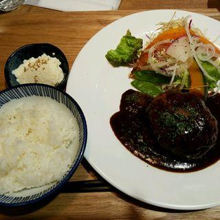 いっかくハンバーグ定食(いっかく食堂 天神店 )