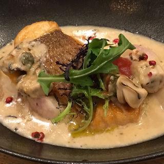 真鯛のソテー 牡蠣のクリームソース(旬菜ダイニング Cosy)