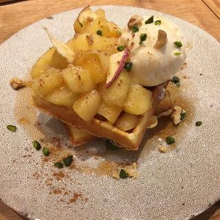 りんごのワッフル(こなな 三宮店)