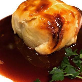 仔羊もも肉のパイ包み焼 赤ワインソース(クレッソニエール )