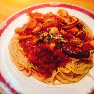 海の幸のトマトソーススパゲッティ(HASHIYA)