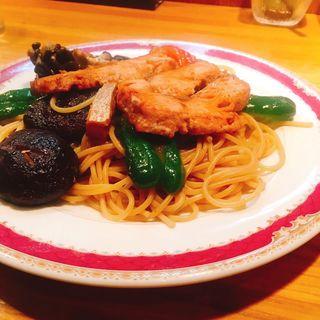 サケと野菜のスパゲティ(HASHIYA)