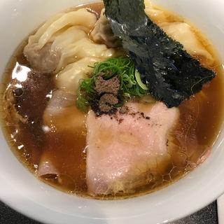 ワンタン醤油Soba(Japanese Soba Noodles 蔦 (ジャパニーズソバヌードル ツタ))