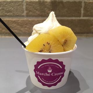 キウイフルーツソフトクリーム(マルシェクリーム)
