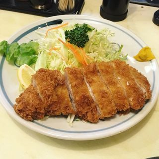 とんかつ定食(中)(あけぼの )