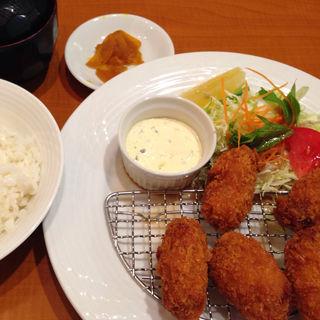 カキフライ定食(パラタン (PALATIN))