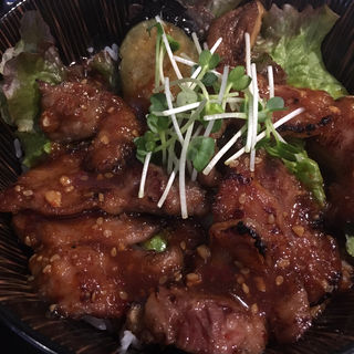 和牛カルビ丼(どんぶりざえもん)