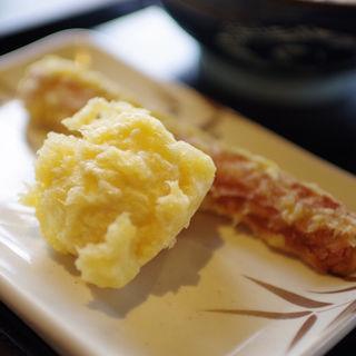 半熟玉子天 と ちくわ天(丸亀製麺 飾西店 )