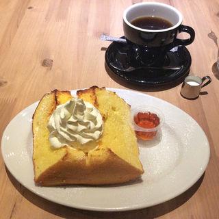 シフォンケーキのトースト(Flannel Style Coffee)