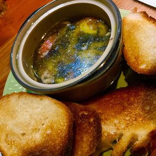 モッツァレラチーズのアヒージョ(塩梅)
