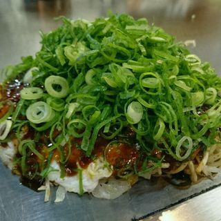 お好み焼き(そば・肉・玉子・イカ天・ねぎ)(八昌 談 )