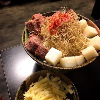 コンビーフカレーもちチーズ(もんじゃ まぐろ家 本店 (まぐろや))