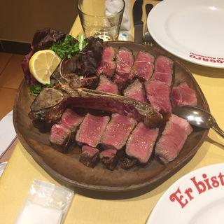Tボーンステーキ 1kg(エル ビステッカーロ デイ マニャッチョーニ (Er bisteccaro dei magnaccioni ))