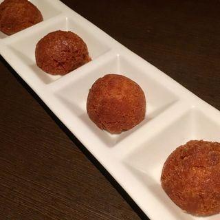 奄美伝統おふくろの味 〜黒糖ドーナツ〜