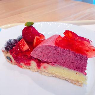 赤い果実のタルト Tart of fruits rouges(デリス くずはモール店 (Delices))