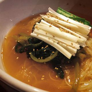 ヨルムグクス(韓国家庭料理 トマト (カンコクカテイリョウリトマト))