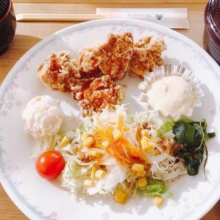 唐揚げ定食(グリーンホテル三ヶ根 )