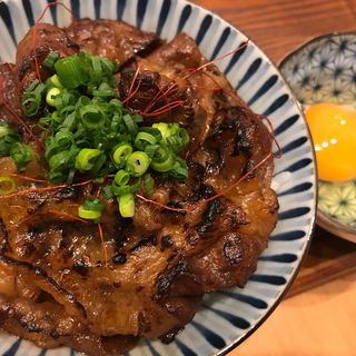 大判炙り和牛めし(麺屋猪一離れ)