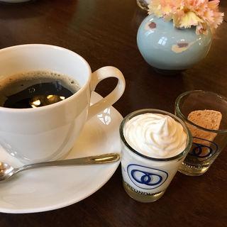 ウインナーコーヒー(カフェ フロインドリーブ 本店 (Cafe FREUNDLIEB))