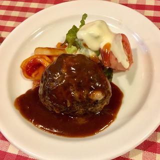 ハンバーグステーキ(グリル十字屋)