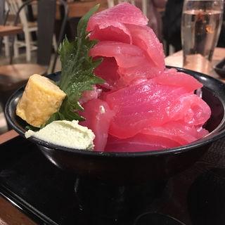 ドカ盛りマグロ丼(まぐろセンター 栄店)