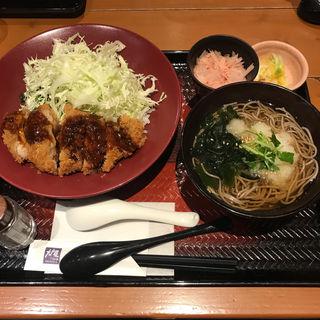 特製ソースチキンかつ丼と温蕎麦(大戸屋 国立南口駅前店 )