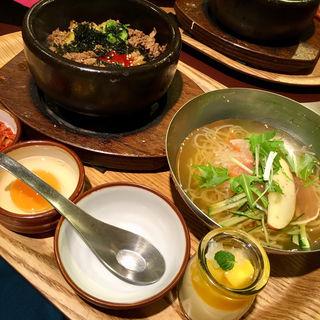 プルコギ石焼ビビンバとミニ冷麺セット(シジャン ミント神戸店 (Shijan))