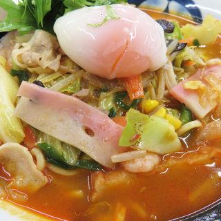 えびトムヤムちゃんぽん+温度卵(リンガーハット イオン笹丘店 )