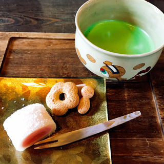 生菓子と抹茶(三十三茶屋 )