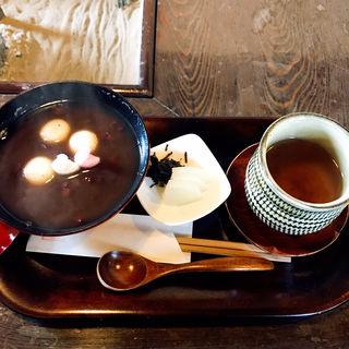 黒糖ぜんざいとほうじ茶のセット(三十三茶屋 )