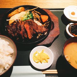 ステーキ定食(一条 東向通店 (ヒガシムキドオリテン))