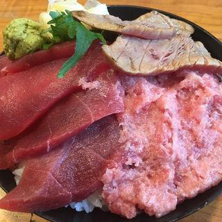 まぐろ4色丼(海鮮居酒屋 山傳丸 砂町銀座店 (やまでんまる))