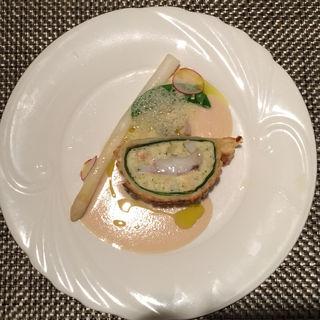 ホワイトアスパラガスと魚のパイ包み(ブラッスリー ハルナ (HARUNA brasserie))